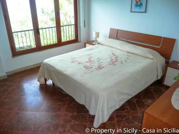 Villa-to-sell-in-sicily-sea-villa-russo-8
