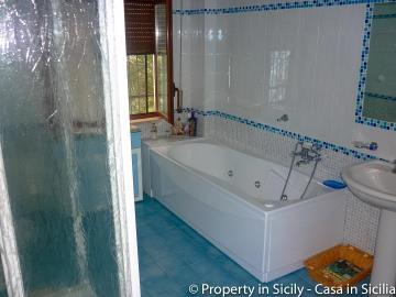 Villa-to-sell-in-sicily-sea-villa-russo-30