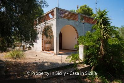 Villa-Vacaro-renovation-project-sicily-pool-seaview-4