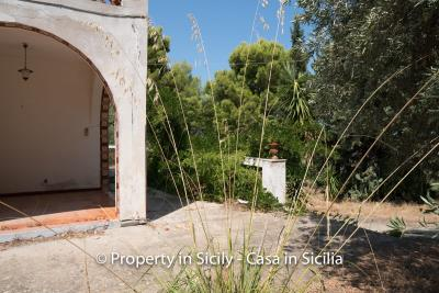 Villa-Vacaro-renovation-project-sicily-pool-seaview-5