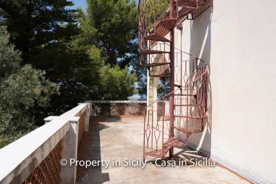 Villa-Vacaro-renovation-project-sicily-pool-seaview-6