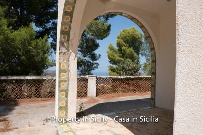 Villa-Vacaro-renovation-project-sicily-pool-seaview-7