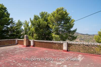 Villa-Vacaro-renovation-project-sicily-pool-seaview-13