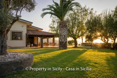 Villa-graziano-with-pool-seaview-sicily-real-estate-1