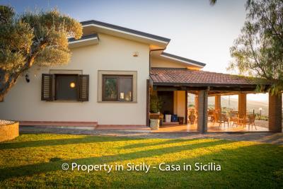 Villa-graziano-with-pool-seaview-sicily-real-estate-3