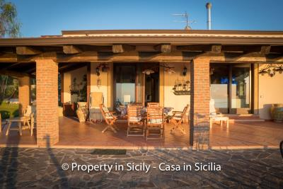 Villa-graziano-with-pool-seaview-sicily-real-estate-7