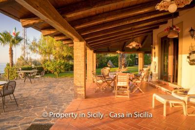 Villa-graziano-with-pool-seaview-sicily-real-estate-9