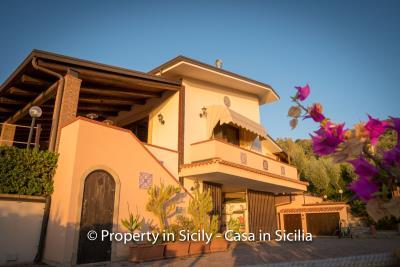 Villa-graziano-with-pool-seaview-sicily-real-estate-11