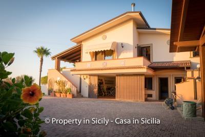 Villa-graziano-with-pool-seaview-sicily-real-estate-13