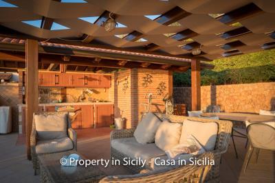 Villa-graziano-with-pool-seaview-sicily-real-estate-15
