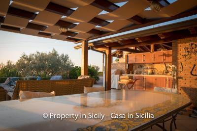 Villa-graziano-with-pool-seaview-sicily-real-estate-17