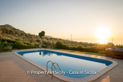 Villa-graziano-with-pool-seaview-sicily-real-estate-18