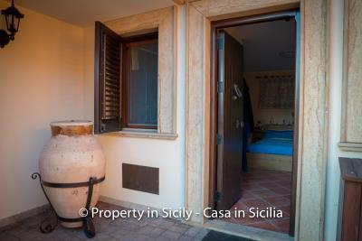 Villa-graziano-with-pool-seaview-sicily-real-estate-28