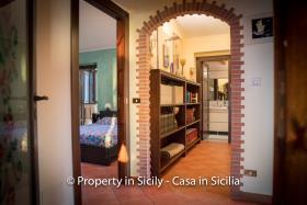 Image No.32-3 Bed Villa for sale
