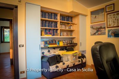 Villa-graziano-with-pool-seaview-sicily-real-estate-34