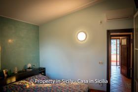 Image No.35-3 Bed Villa for sale