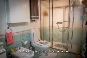 Image No.37-3 Bed Villa for sale