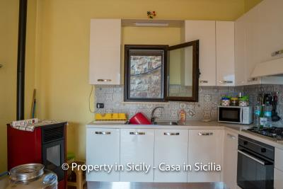 Casa-Rosa-real-estate-cefalu-ready-to-use-property-in-sicily-6