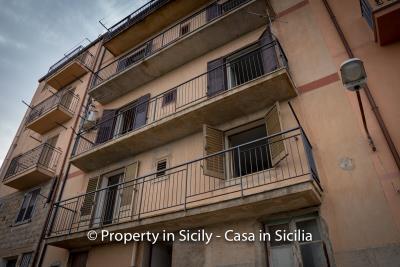 Casa-salvina-pollina-townhouse-property-sicily-27