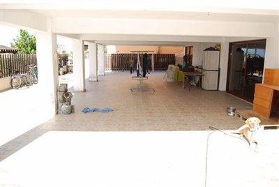 04-covered-basement-terrace