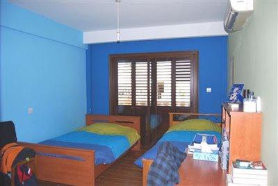 09-bedroom-2
