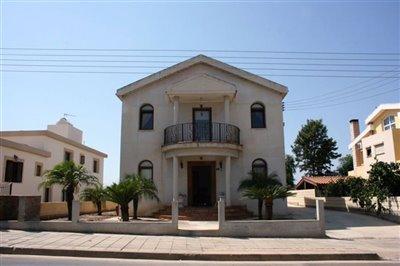 front-of-villa-2