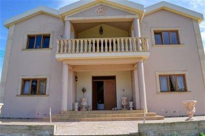 front-of-villa-1