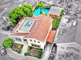 Image No.0-Villa de 5 chambres à vendre à Agios Athanasios