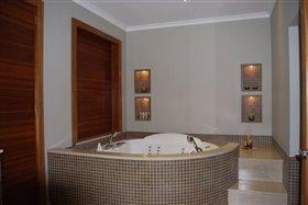 Image No.7-Villa de 5 chambres à vendre à Agios Athanasios