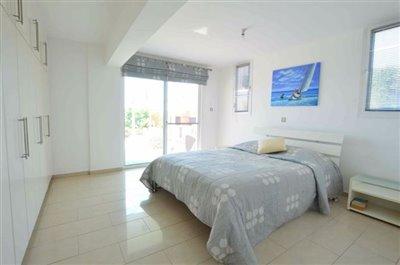 downstairs-bedroom-4