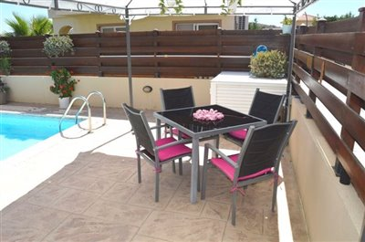 pool-area-dining-a
