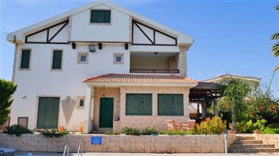 front-of-villa-