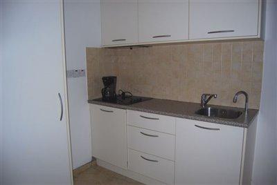 19-kitchenette-in-studio-apartment