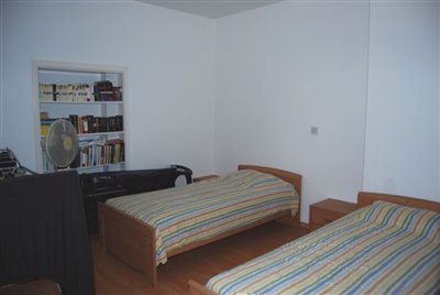 11-second-bedroom