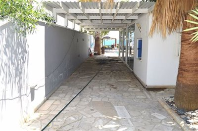covered-driveway
