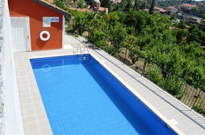 pool-area-changing-rooms