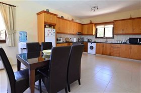 Image No.2-Villa de 3 chambres à vendre à Polemi