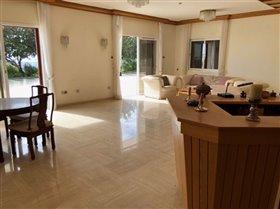Image No.3-Villa de 6 chambres à vendre à Agios Athanasios