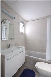 carisa-bathroom