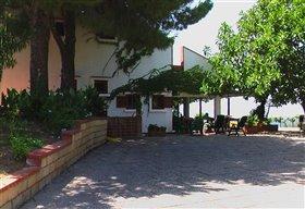 Image No.3-Maison de 7 chambres à vendre à Campofelice di Roccella