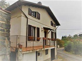 Image No.3-Maison de 2 chambres à vendre à Bagnone