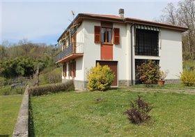 Image No.0-Maison de 3 chambres à vendre à Bagnone