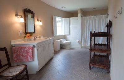 13-Guest-Bathroom--1367