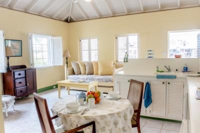 16-Cottage-Great-Room--1457