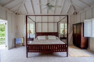 17-Cottage-Master-Bedroom1471