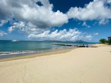 Hamilton---3B-beach2