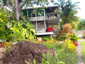Palm-Terrace---Exterior-3