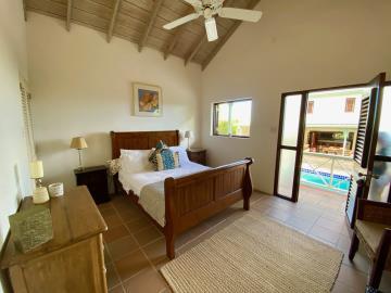 6-Bedroom-Cottage