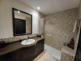 Image No.30-2 Bed Villa for sale