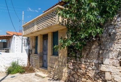 till-salu-litet-hus-grekisk-by-utsikt-havet-EKJ1865-10